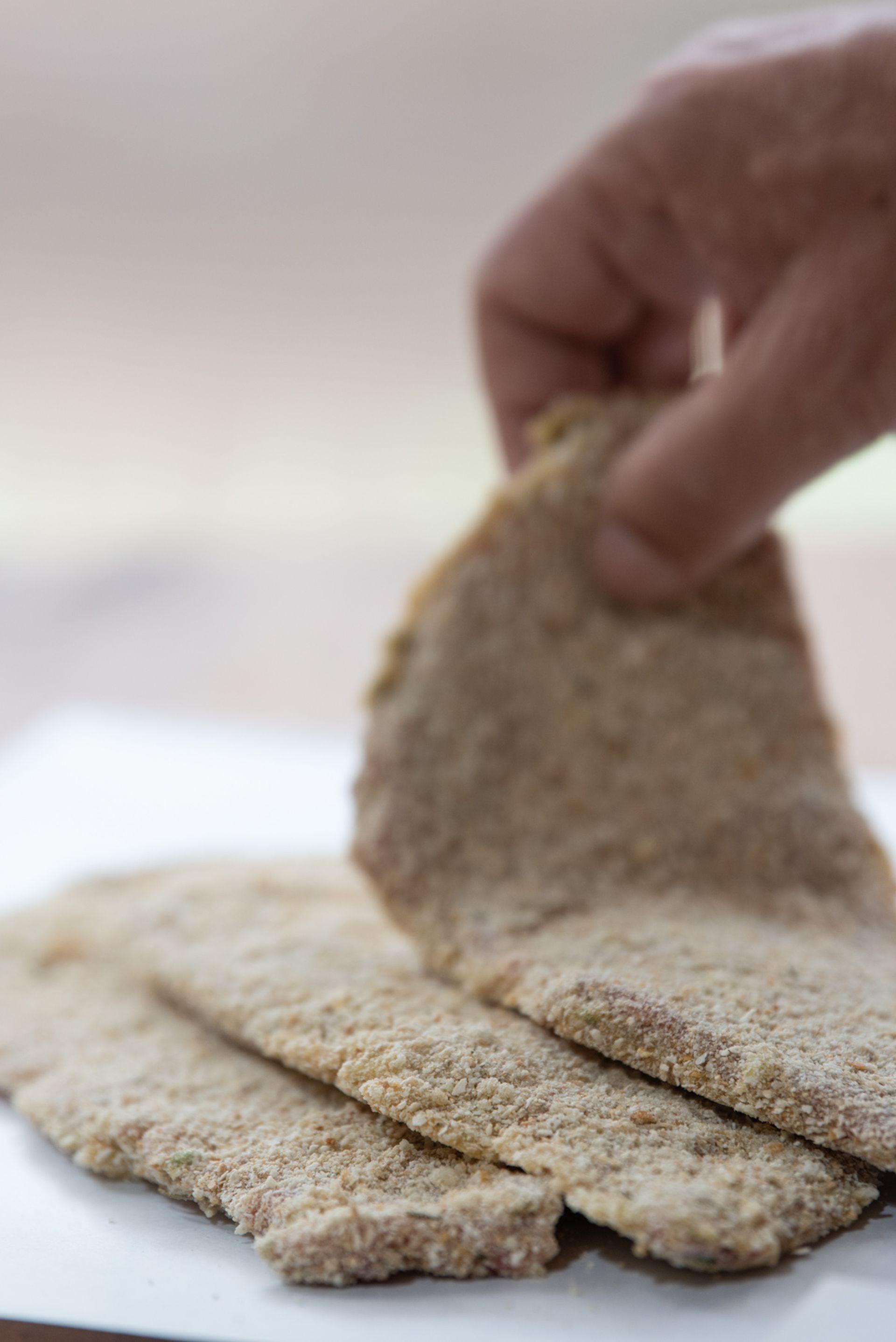Los envíos se hacen en cajas de 2 kilos y pueden ser de carne o pollo, siempre con toques gourmet y cuidadas al detalle.