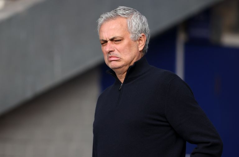 Inglaterra: Tottenham echó a Mourinho justo antes de jugar la final con el City