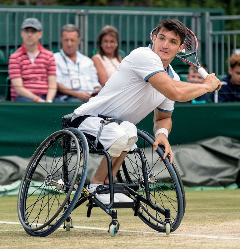 El tenista en acción durante la última edición de Wimbledon, donde perdió la final frente al sueco Stefan Olesson por 7/5 3/6 y 7/5.