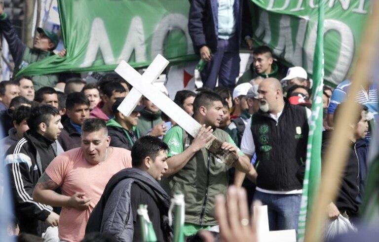 Incidentes en Plaza de Mayo en la marcha de la CGT