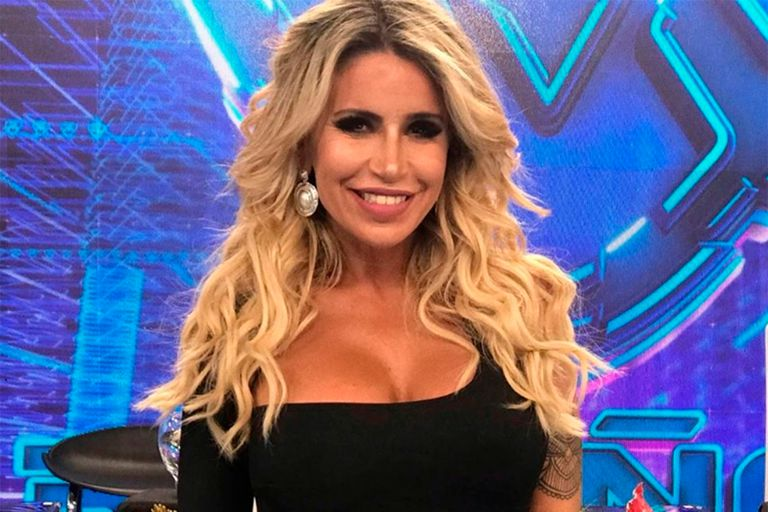 """Inesperado: a días del debut, Flor Peña se bajó del jurado del """"Bailando 2020"""""""