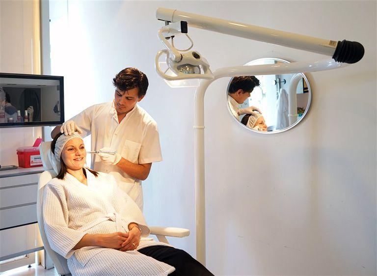 Vanesa Vallejo trata las arrugas con Microneedling, un tratamiento con resultados visibles en pocas sesiones