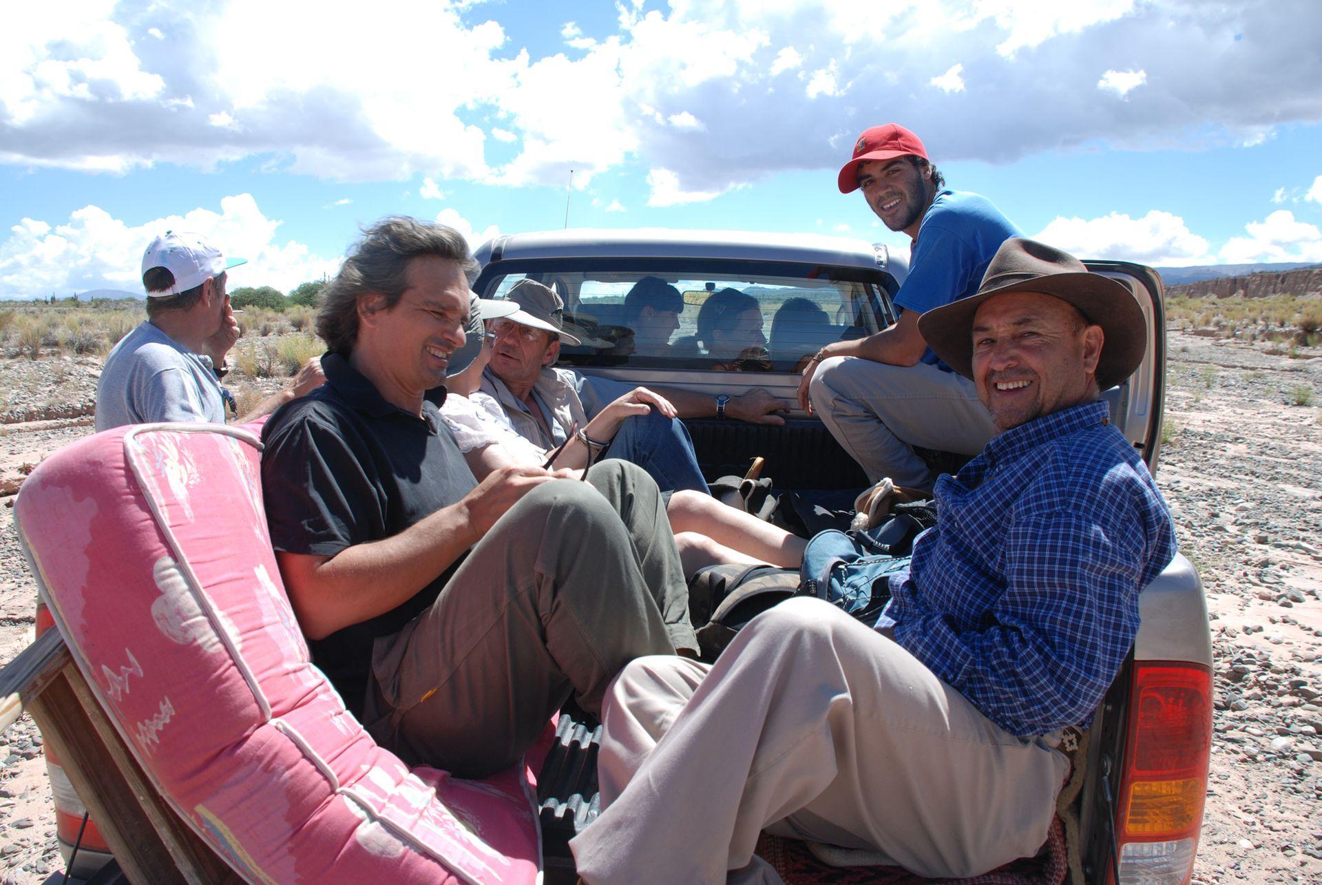 Fido Abán en 2010, cuando iba a Acsibi con colchones en la caja de la camioneta.