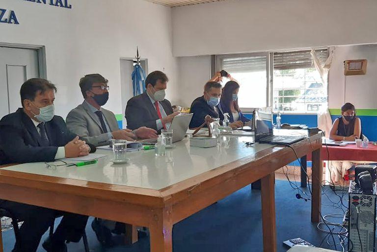 El juicio está a cargo del Tribunal Oral en lo Criminal (TOC) Nº4 de La Matanza, que está integrado por los jueces Gerardo Gayol, Franco Fiumara y Nicolás Grappasonno