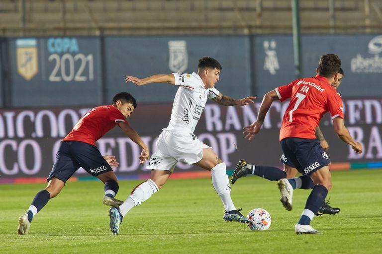 Semifinal de la Copa Liga Profesional 2021 entre Independiente y Colón de Santa Fe en San Juan.