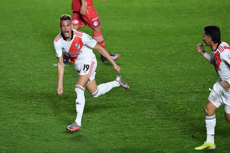 River recuperó la memoria, le ganó a Argentinos y vuelve a soñar en la Copa