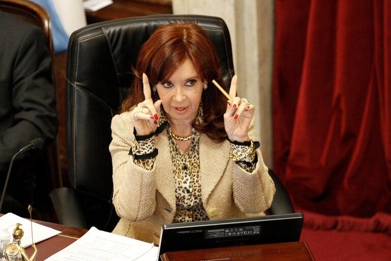 La tropa de Cristina Kirchner en el Senado buscará convertir en ley la nueva fórmula de movilidad jubilatoria, que reemplaza la impulsada por el gobierno de Mauricio Macri, y la quita de casi un punto de la coparticipación a la gestión de Horacio Rodríguez Larreta, por los fondos de la policía