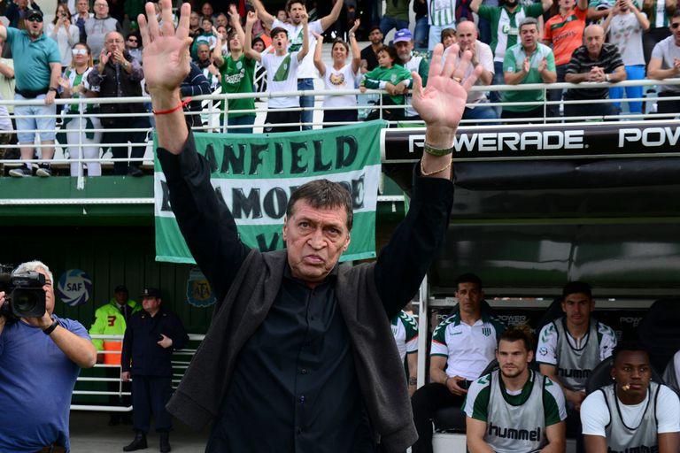 Una nueva despedida para Julio Falcioni en la dirección técnica de Banfield