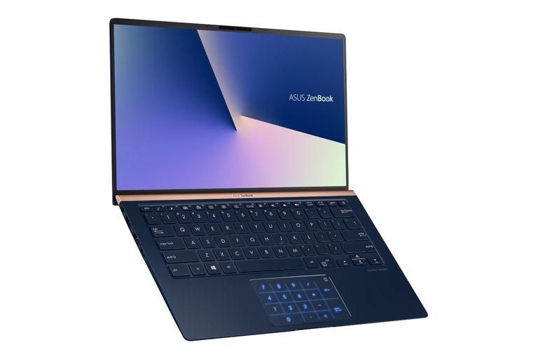 La Asus ZenBook se renovó con una pantalla casi sin bordes y un teclado numérico incorporado en el touchpad con doble función