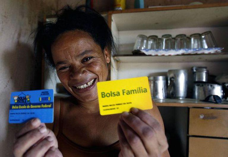 El programa Bolsa Familia fue activado por el Partido de los Trabadores en la era de Lula da Silva
