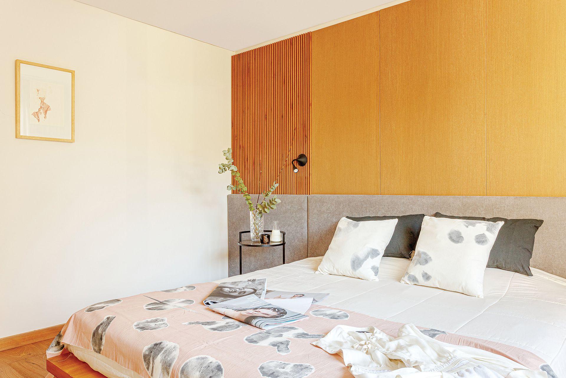 Almohadones de terciopelo y pie de cama (Pezkoi).