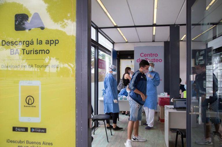 La Ciudad superó el millón de testeos de coronavirus en los centros para turistas