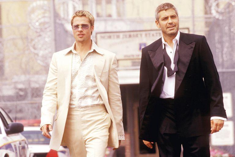La remake dirigida por Steven Soderbergh no podía quedar atrás y juntó a Brad Pitt con George Clooney, entre otros