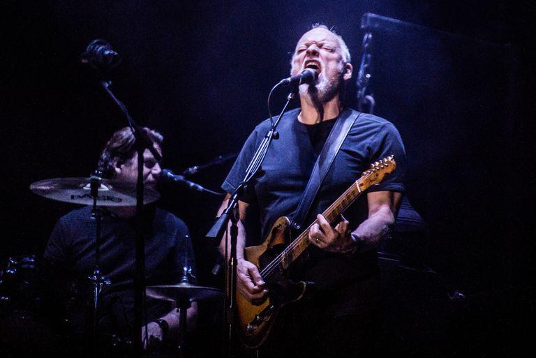 David Gilmour cuenta por qué vende 120 guitarras de su colección