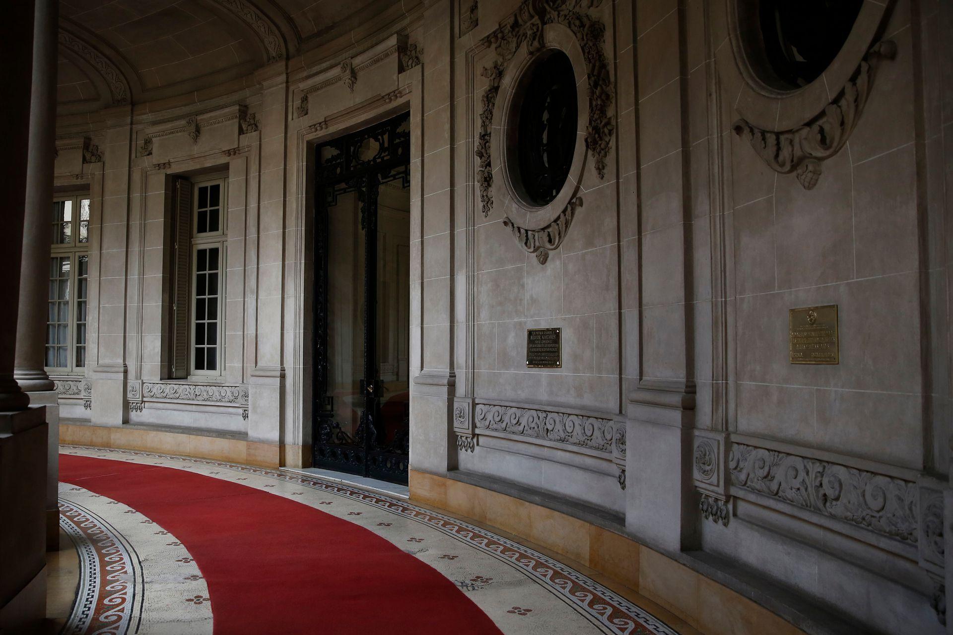 En la galería se puede ingresar a las tres casas, donde vivieron miembros de la familia Anchorena