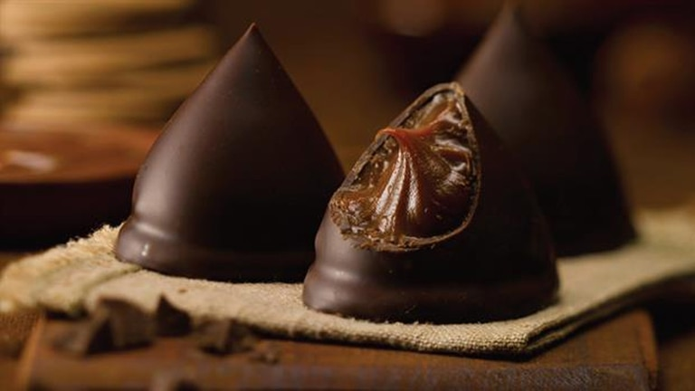 Los conitos de dulce de leche con cobertura de chocolate, un clásico de los kioscos argentinos