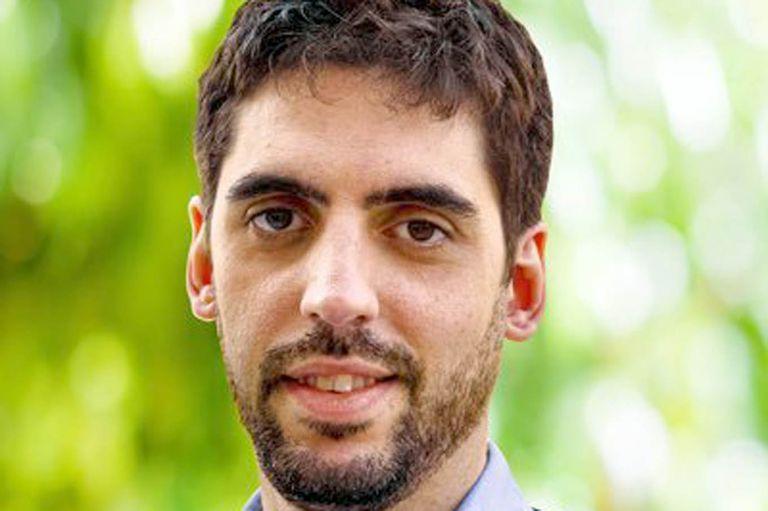 Eugenio Casielles es el legislador porteño y jefe del joven infectado por coronavirus