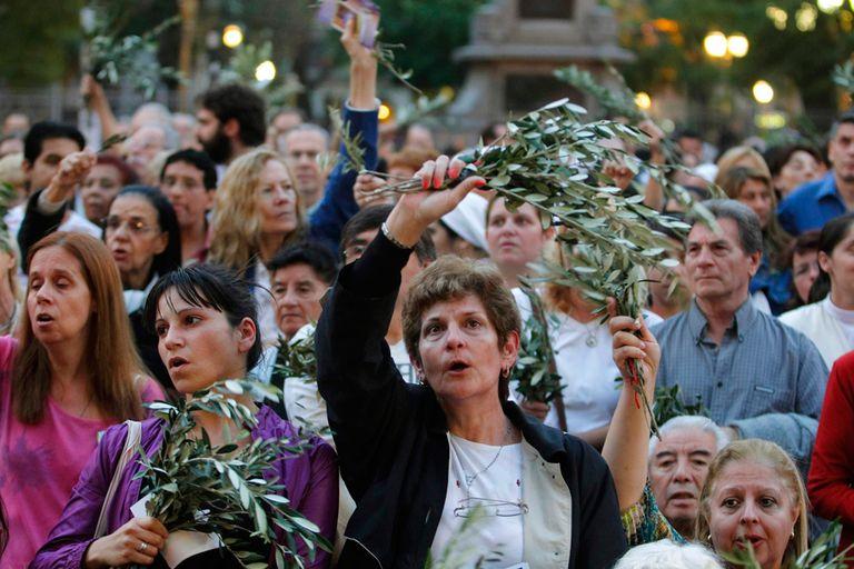 Los feligreses  convirtieron ayer las calles de la Ciudad en una fiesta en honor del papa Francisco