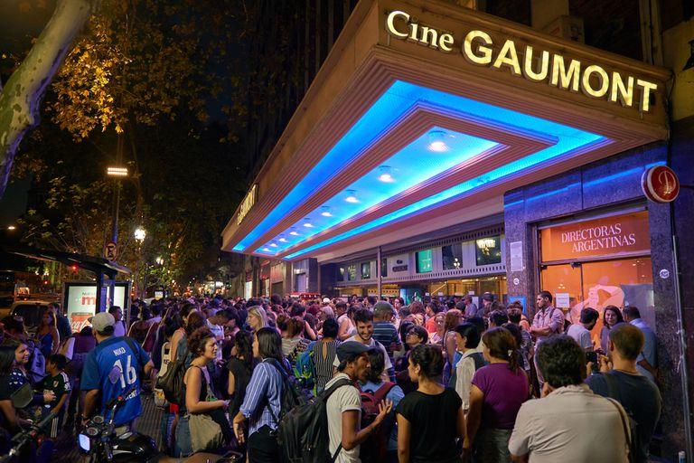 El Cine Gaumont, en Avenida Rivadavia 1635, fue fundado en 1912 y se llamaba Cinematógrafo de la Plaza del Congreso