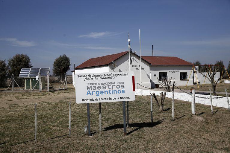 """La Escuela Rural N°35 """"José Lamas"""" , en Mapi, en el extremo norte del Partido de Olavarria, recibió el Premio Maestros Argentinos en 2018"""