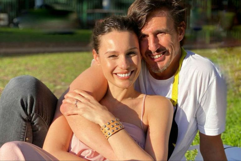 Pampita le escribió un tierno mensaje a su marido, Roberto García Moritán, junto a una tierna postal de ambos en la dulce espera
