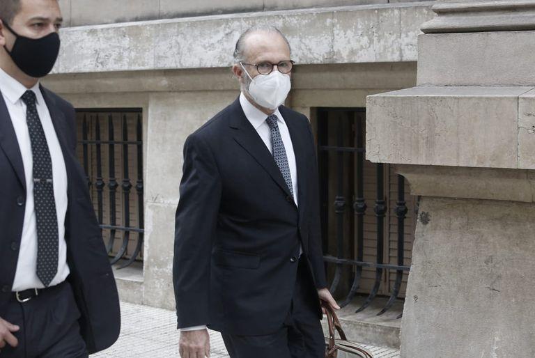 Carlos Rosenkrantz, el presidente saliente de la Corte Suprema, al llegar esta mañana al Palacio de Tribunales