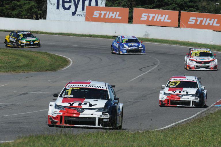 Matías Rossi al frente en el Cabalén; el hombre de Toyota tuvo una buena primera vuelta y dominó en Alta Gracia