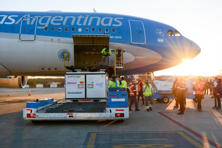 Llegó un nuevo cargamento con 1.4 millones de dosis de Sinopharm
