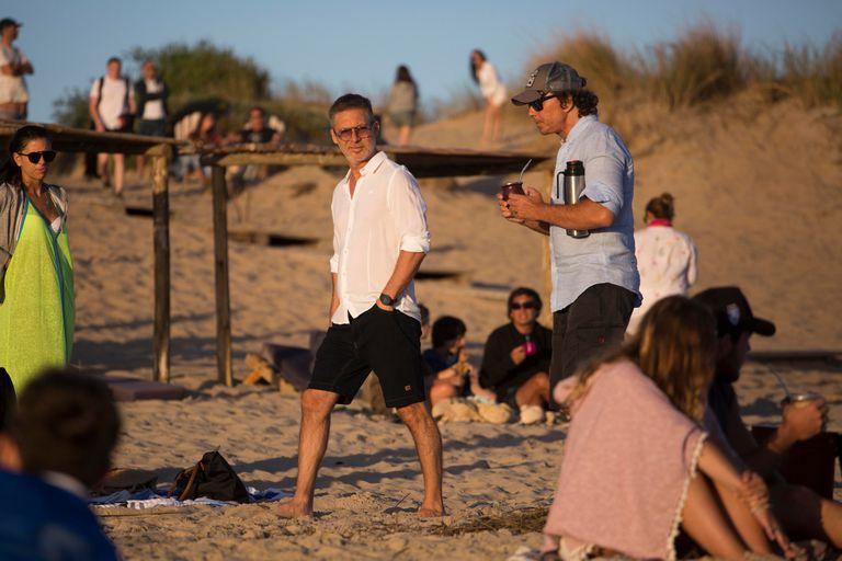 Tarde de sol y mates para Adrián Suar y Gustavo Bermúdez en Punta del Este