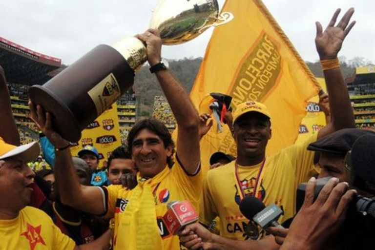 Gustavo Costas se coronó con Independiente Santa Fe en Colombia