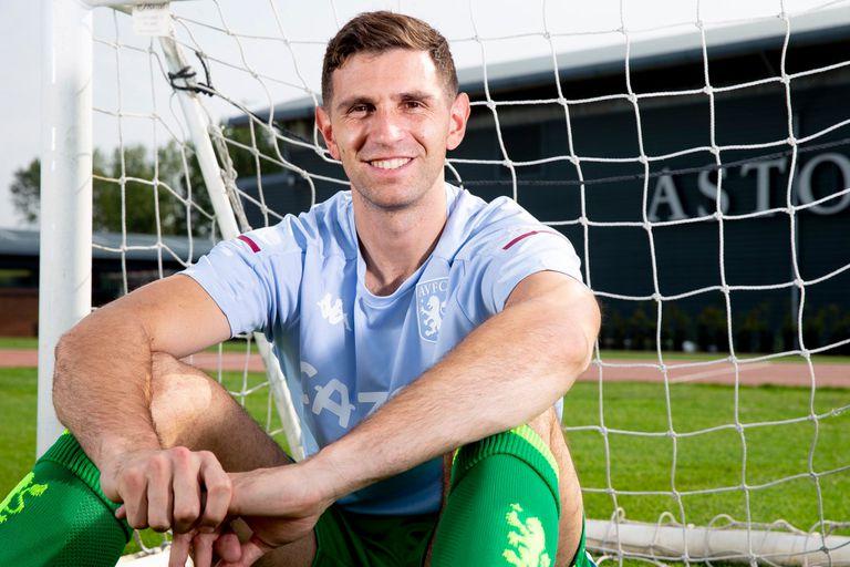 El gesto sonriente de Emiliano Martínez en Aston Villa, su nueva casa