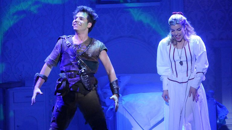 Fernando Dente y Josefina Scaglione en la exitosa versión de un clásico