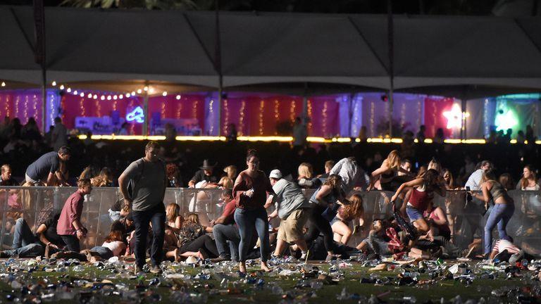 Tiroteo en Las Vegas: un joven de 30 años se convirtió en héroe al salvar a decenas de personas