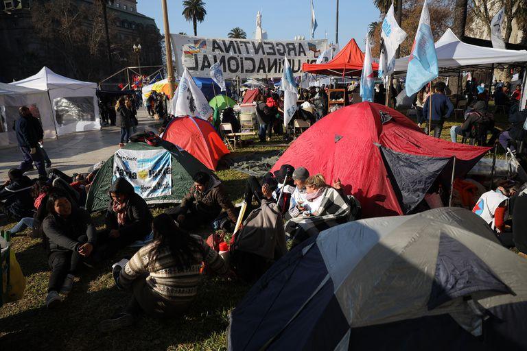 Empezó el acampe por Milagro Sala frente a la Plaza de Mayo