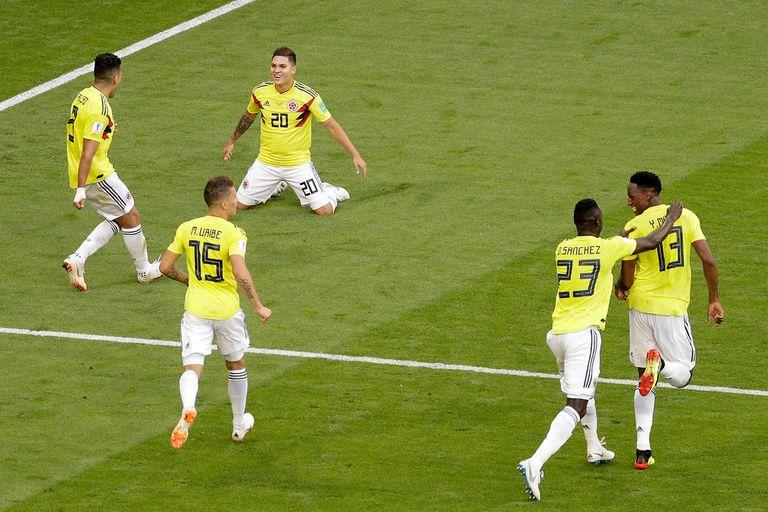 Con un gol de Yerry Mina, Colombia le ganó a Senegal y se metió en octavos