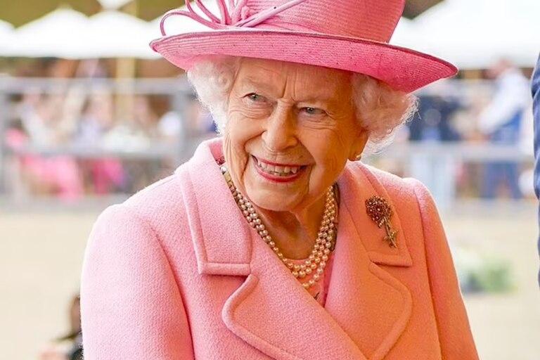 La reina sonrió durante el Royal Windsor Horse Show