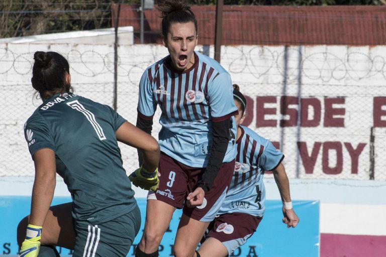 Las jugadoras argentinas se van por un futuro mejor a cambio de 500 euros