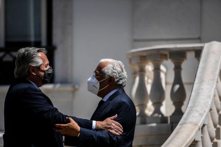 La receta de Portugal que Alberto Fernández celebra, pero no imita