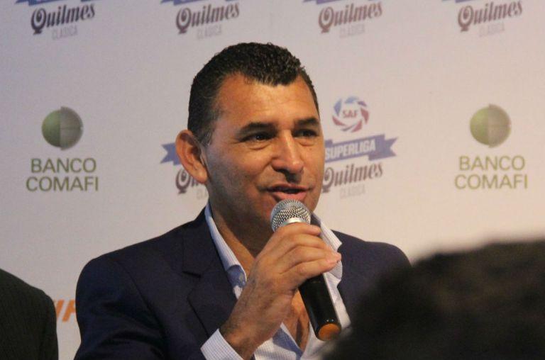 """El presidente de Atlético Tucumán, contra River: """"Sin muertos no quiso jugar"""""""