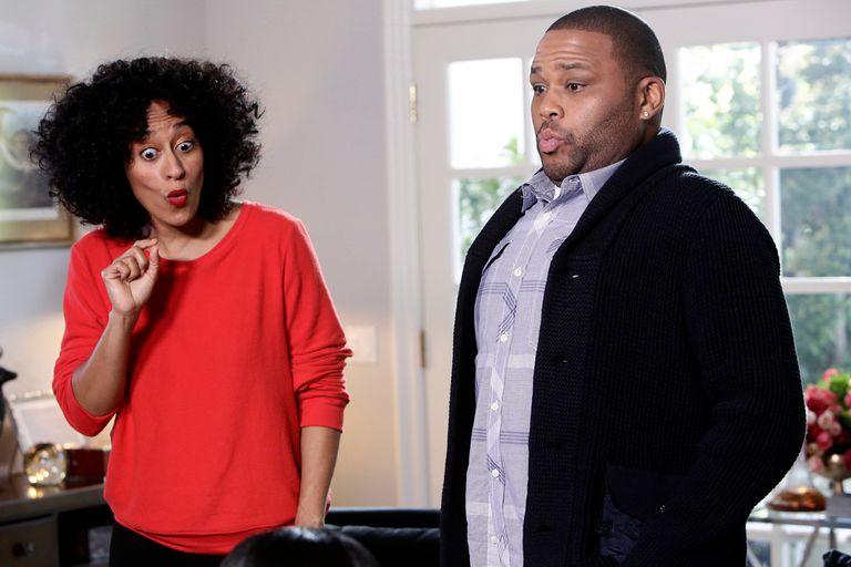 Tracee Ellis Ross y Anthony Anderson en la popular comedia Blackish