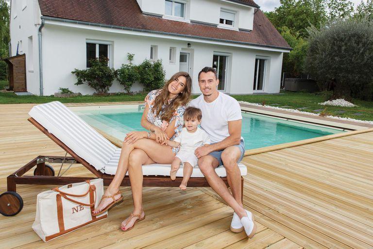 Juan Imhoff y Natacha Eguía. Entramos en su nueva casa en las afueras de París