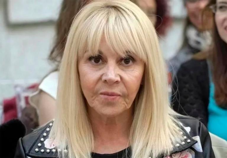 En una entrevista televisiva, la exesposa de El Diez decidió romper el silencio y referirse a las casusas judiciales, a la relación del exfutbolista con sus hijas y a su presente como abuela