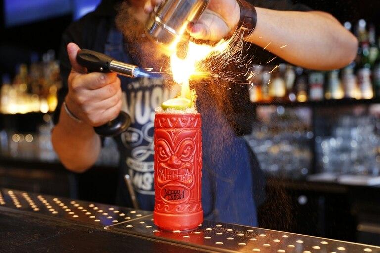Entre destilados blancos y añejos, esta bebida ya suma más de veinte variedades que se pueden degustar en los mejores bares de la ciudad