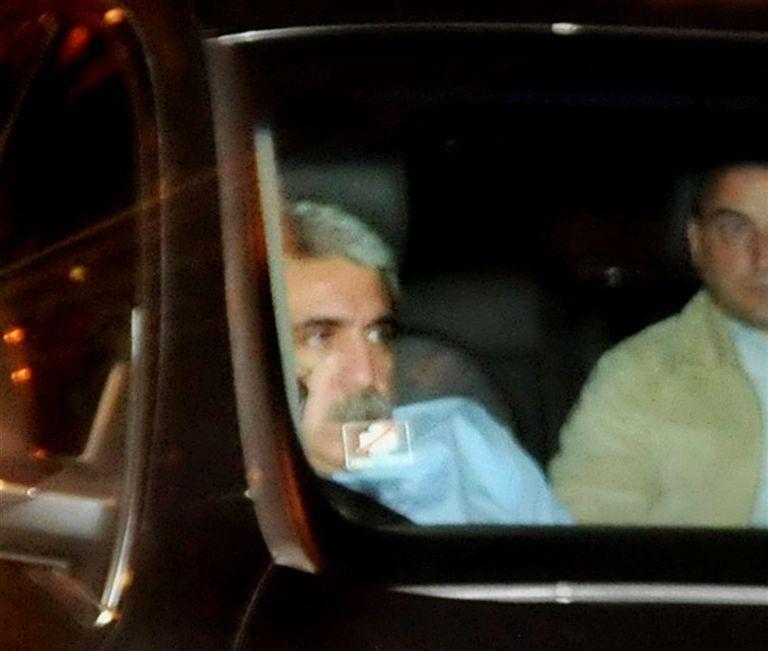 Fernández deja anoche el búnker del hotel Intercontinental