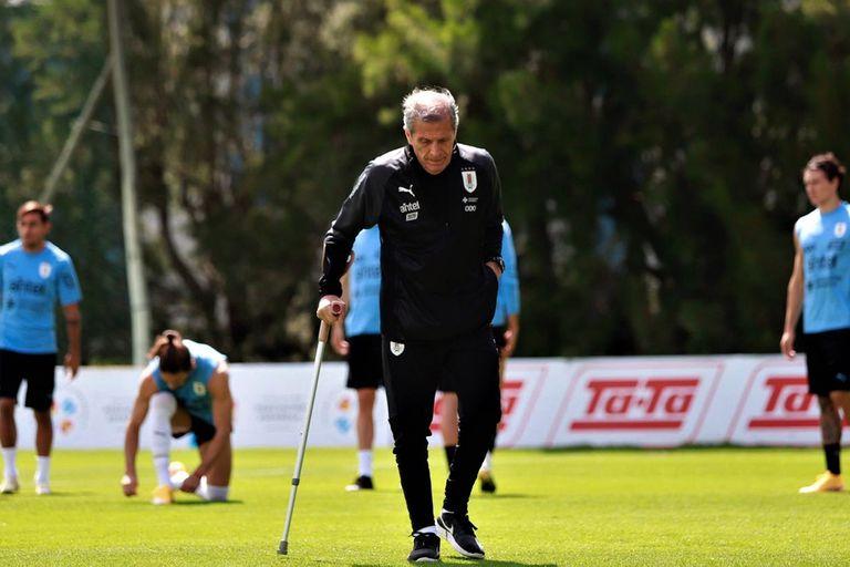 Tabárez es el técnico que más partidos ha dirigido en una selección: 212 al frente de Uruguay.