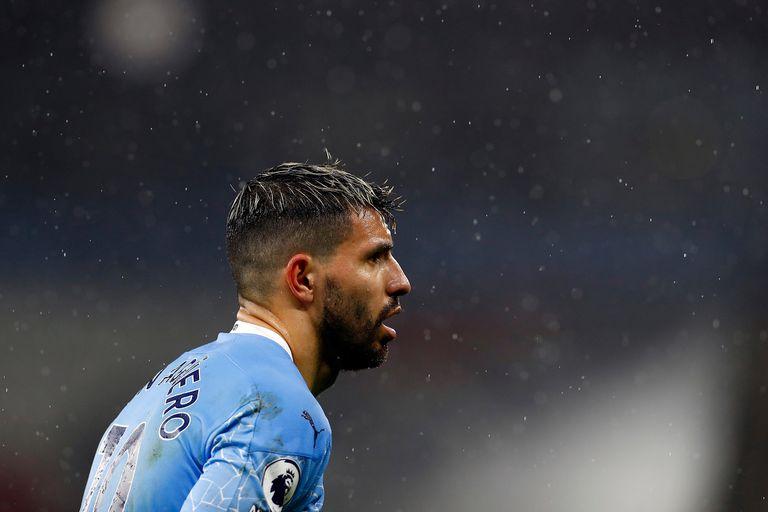 Agüero sigue sumando minutos en el Manchester City, que apunta a un nuevo título en la Premier League