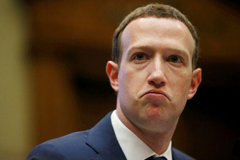 Mark Zuckerberg afirma que no piensa renunciar al mando de Facebook