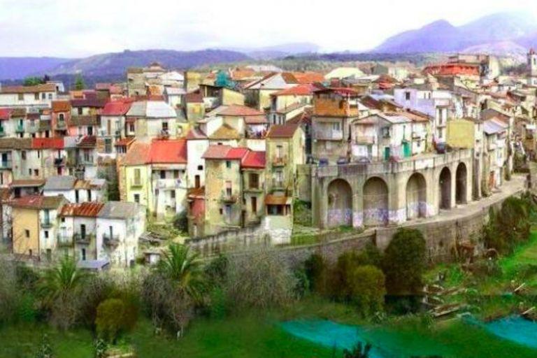 Una pintoresca ciudad italiana ofrece casas gratis para quienes quieran ayudar a hacer crecer la comunidad