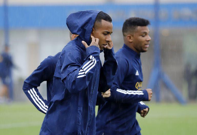 Villa ya se entrena con el plantel, pero en Boca no quieren que vuelva a jugar