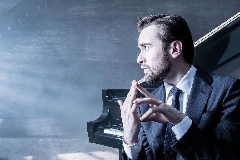 """""""Lo que hace con sus manos es técnicamente increíble. Es también su toque, que tiene la ternura y también un elemento demoníaco. Nunca había escuchado algo así"""", elogió Martha Argerich al pianista ruso Daniil Trifonov"""